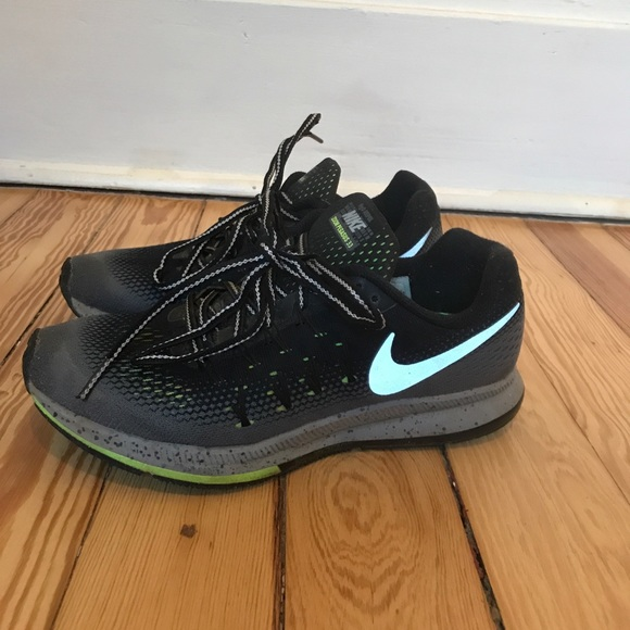 Nike Air Zoom Pegasus 33 Shield. M 5b32f5f5d6dc52aed791975e 976f0e562